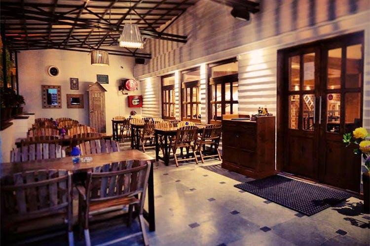 places-hosting-best-ladies-night-delhi-summer house