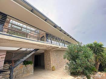 Villa 295 m2