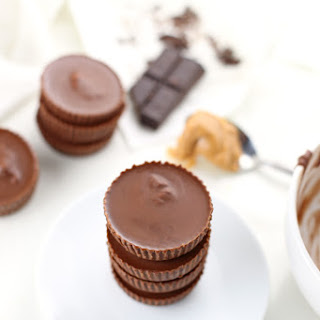 Low Carb Chocolate Peanut Butter Cups {Gluten Free, Keto-Friendly}.