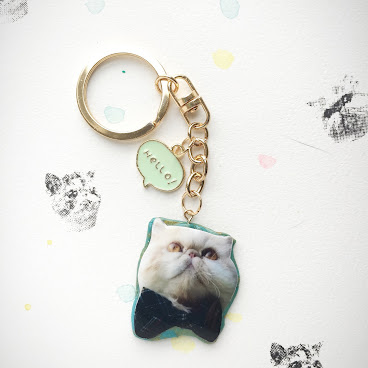 Hello Kiki green & gold marble bowtie keychain