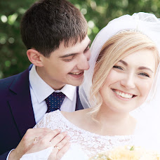 Wedding photographer Olga Frolova (Olikfon). Photo of 09.02.2016