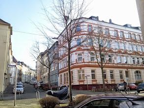 Photo: An der Kreuzung Bismarckstraße. Im Hintergrund beginnt die Christian-Rohlfs-Straße.