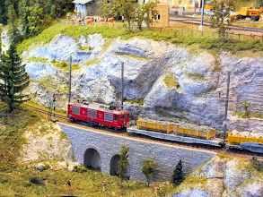Photo: 015 Another heavy freight train passes through the Bergellerbahn .