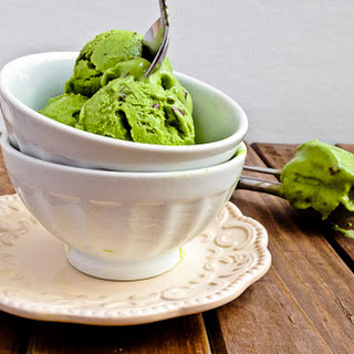 Mint Chocolate Chip Greek Yogurt Ice Cream