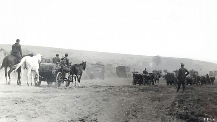 Во время наступления у Дона, июль 1942 г. - фотография Георга Гляйса, подписанная на обороте