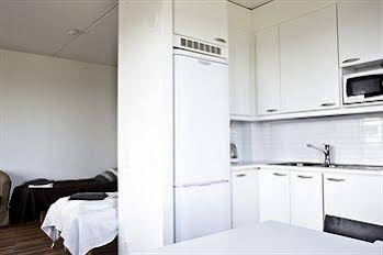 Forenom Airport Suites