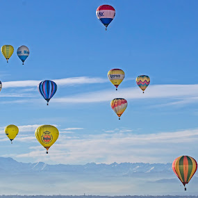 Balloons in freedom by Massimo Mazzasogni - Sports & Fitness Other Sports ( hot air balloon, flight, free, sky, fly )