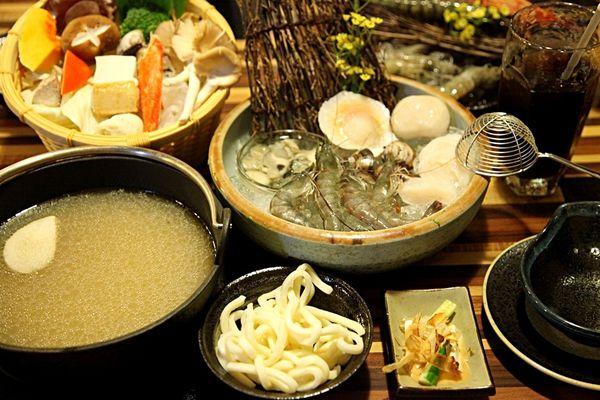 湧-日式涮涮鍋~不用花大錢就能輕鬆享用食材新鮮。湯頭鮮甜的精緻日式涮涮鍋!!!