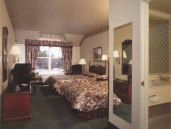 Country Inn & Suites Schofield