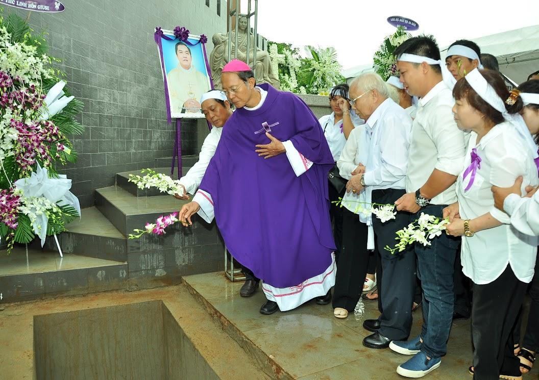 Thánh lễ an táng Cha Giuse Trần Ngọc Tâm - Chánh xứ Xuân Đức - Ảnh minh hoạ 64