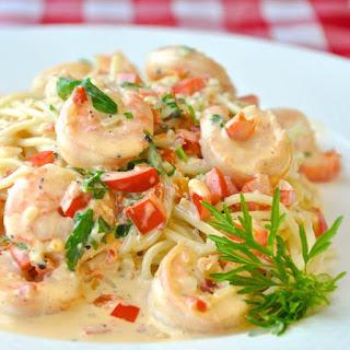 Spicy (or not spicy) Creamy Garlic Shrimp Pasta.