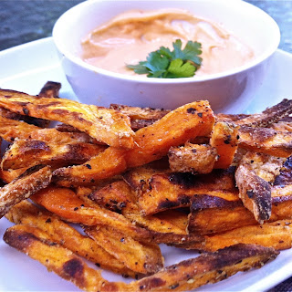 Sweet Potato Fries with Sriracha Mayo Dipping Sauce – Food List Challenge No. 94