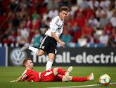 Il n'aura fallu que quelques minutes à cet attaquant allemand pour se faire une commotion cérébrale