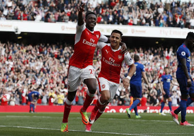 Arsenal houdt United verder weg van vierde plaats