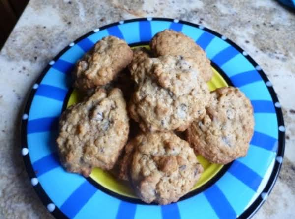 Almond Chocolate Chip Oatmeal Cookies Recipe