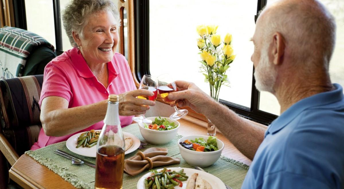 How Seniors Can Eat Healthy - A Servant's Heart In-Home Care