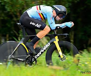 """Straf! Wout van Aert rijdt een dag na de WK-tijdrit 230 kilometer op training: """"'T zuur eruit zweten"""""""