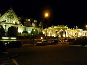 Photo: Le Normandy Barrière et le Casino de Deauville