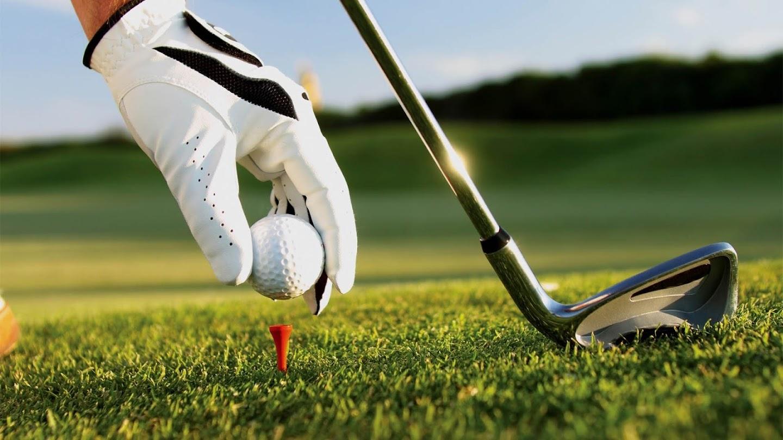 Golfing World