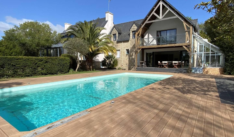 Maison avec piscine et terrasse Guidel
