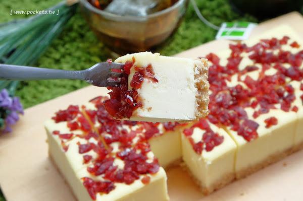 馥貴春重乳酪蛋糕┃台南美食推薦:傳承台北五星級飯店師傅手藝,超濃郁細膩的乳酪蛋糕,口感紮實綿密順口,上班族享受午后的小雀幸