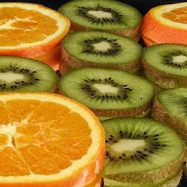 Orange and hiwi by Ana Paula Filipe - Food & Drink Fruits & Vegetables ( orange, kiwi, color, fruit, food,  )