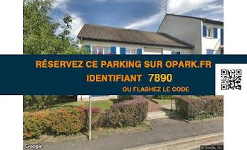 parking à Pontault-Combault (77)