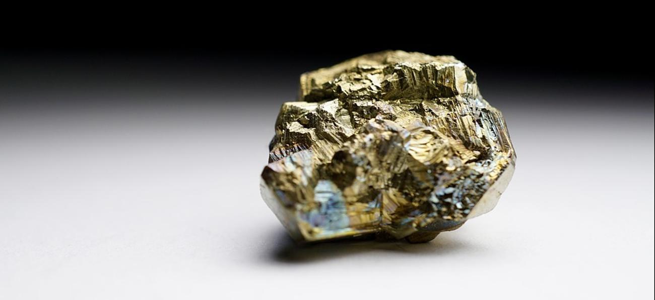 métal précieux sous forme de cailloux