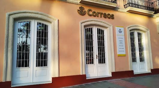 Fachada ya terminada de la nueva oficina de Correos de Casco Histórico