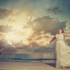 Wedding photographer Adrian Mcdonald (mcdonald). Photo of 10.03.2014