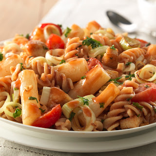 Schorseneren met prei, tomaten, Italiaanse kruiden en kip