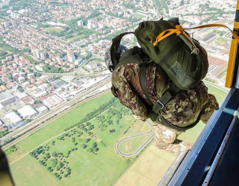 un salto dall'alto di fb photographer