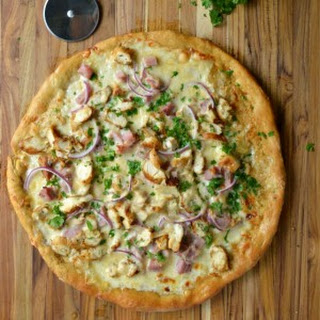 Chicken Cordon Bleu Pizza + CuttingBoard.com Giveaway!