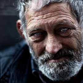 homeless by Christoph Reiter - People Portraits of Men ( street, man, portrait )