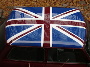 """Photo: Nun hat Leonardo eine lackierte Union Jack auf dem Dach. War schon ein wenig  zeitaufwendig eine möglichst originaltreue Fahne zu erreichen. Hier handelt es sich um die sog.""""war jack"""" der Briten."""