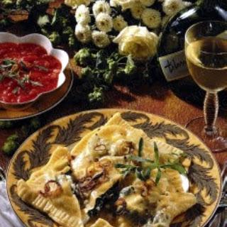 Maultaschen mit Tomaten-Estragonsoße