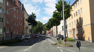 Photo: Die Buscheystraße vom Bergischen Ring aus gesehen.