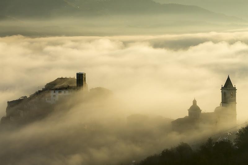 fiume di nebbia di mirella_cozzani