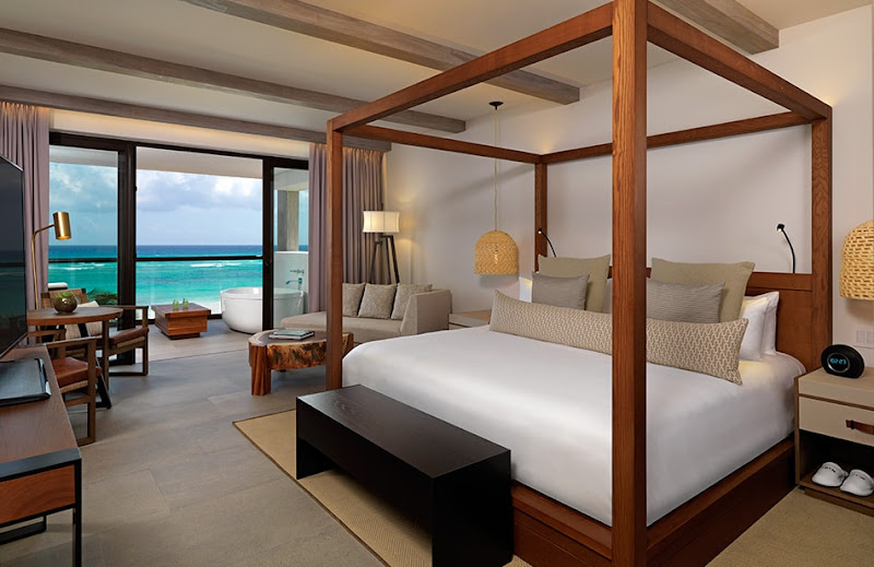 The Alcoba Oceanview suite at Unico Hotel Riviera Maya. (Click to enlarge.)