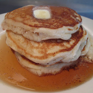 Traditional Fluffy Buttermilk Pancakes Recipe