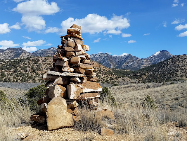 Cairn at the top of the trail