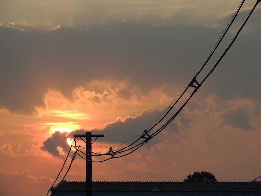 Electrical sunset di Alexandra Turbatu