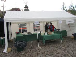 Photo: Aamukahdeksalta paikat olivat valmiina vastaanottamaan myös paistohenkilökuntaa ja asiakkaita. Varpu ja Eero paikalla jo puoli seitsemältä.