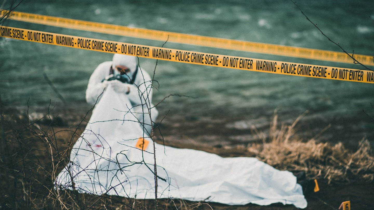 Watch The Lake Erie Murders live