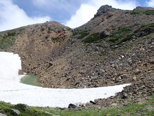 千蛇ヶ池はまだ雪