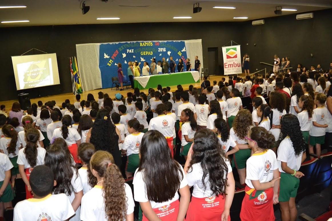 Educação e GCM formam estudantes na prevenção às drogas