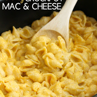 The Best Creamy Crockpot Mac and Cheese.
