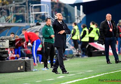 """Roberto Martinez met een kritische sneer na EK-kwalificatie: """"Het is echt een schande"""""""