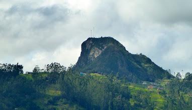 Photo: Landmark rock on the way to Cañar