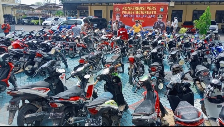 83 Motor Hasil Razia Balap Liar Lengkong Diamankan Polisi Mojokerto